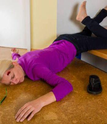 merdiven kazası, merdiven kazaları, merdivenden yuvarlanma, merdivenden düşme